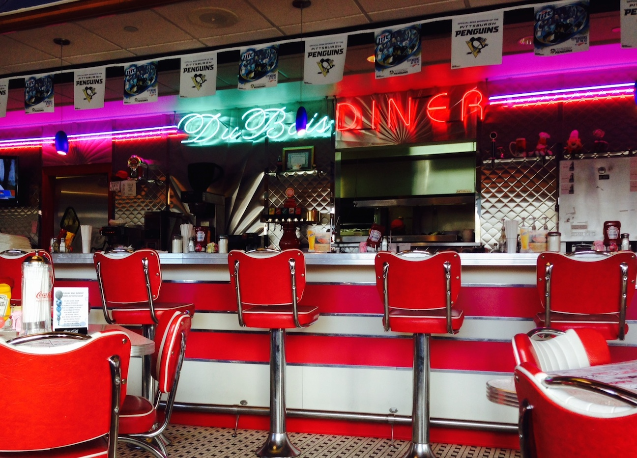 White apron menu - The Diner Has An Over The Top Expansive Menu Numerous Breakfast Options Anytime Of Course Offering The Standard Diner Fare Including Blue Plate Dinners